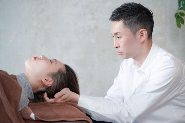 首(頚椎)の調整